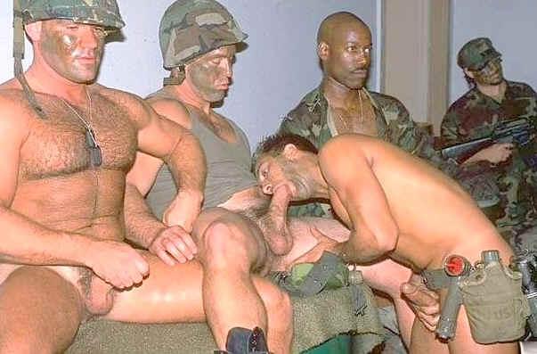 фото гей военные бесплатно