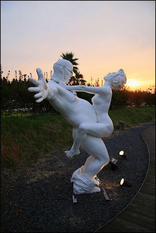 foto-yaponskih-seksualnih-skulptur