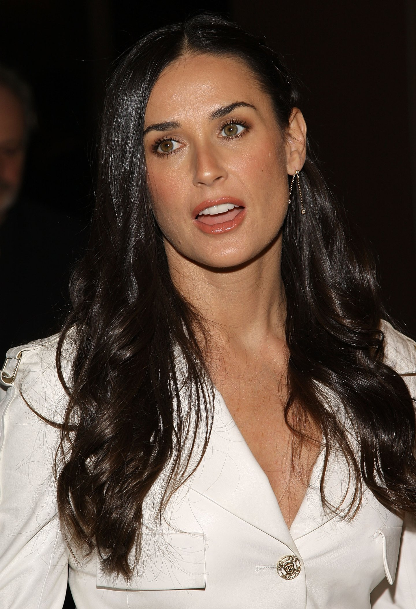 http://img.myconfinedspace.com/wp-content/uploads/2009/05/demi-moore-flawless-screening-in-new-york-city.jpg