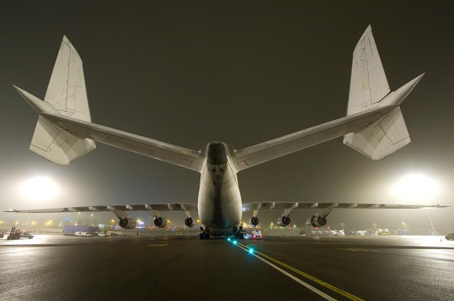 Antonov%20225%20Upskirt