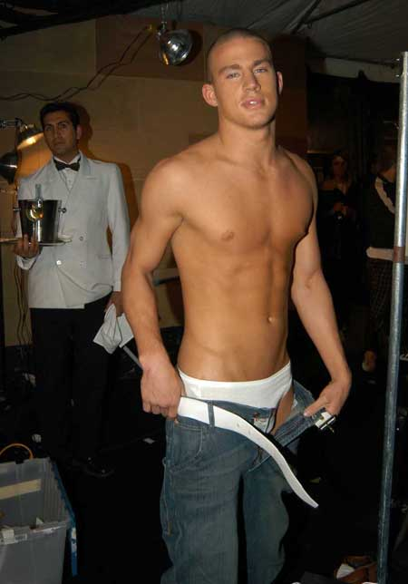 http://img.myconfinedspace.com/wp-content/uploads/tdomf/88814/channing_tatum_shirtless.jpg